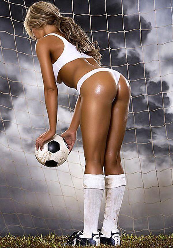 Фото футболисток голых